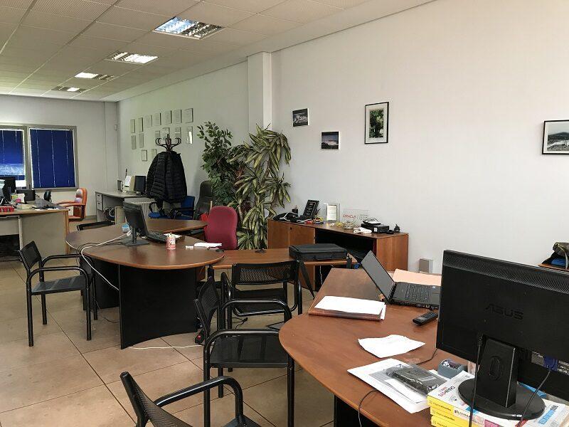 Oficina en Industrialdea de Ventas